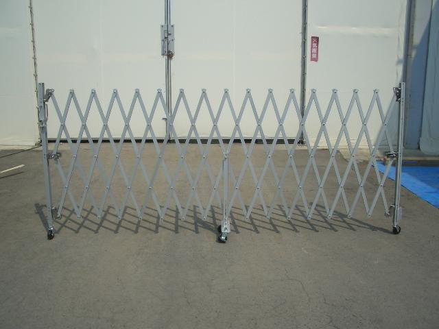 ¥53,000- ¥63,000- ¥75,000-  ゲート・仮囲いを探す|格安のゲート・仮囲
